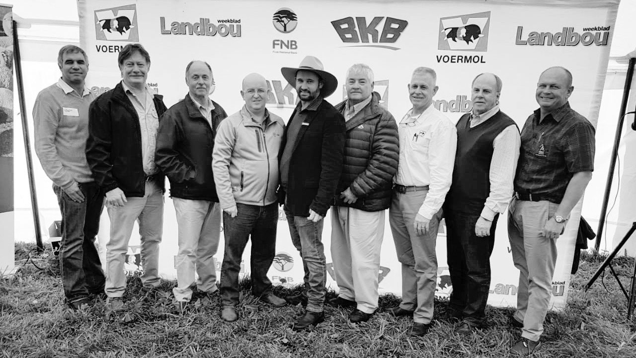 From the left are Wilhelm Jordaan, (Brother of Andrew Jr), Leon de Klerk, (Voermol Sales Manager), André Fourie, (Voermol Consultant), Dawie Maree, (Head of Information and Marketing at FNB Agriculture), Andrew Jordaan Jr, (2018 Sheep Farmer of the Year), Andrew Jordaan Sr, (Father of the winner), Kenny Crampton, (Voermol National Sales Manager), Dr. Buks Olivier (Sheep breeding specialist and consultant), and Gert Smit, (Merino Breeders Society President).